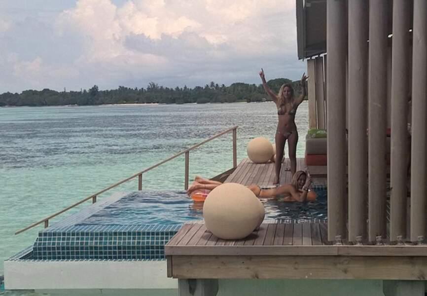 Moment farniente entre copines sous le soleil de Maldives
