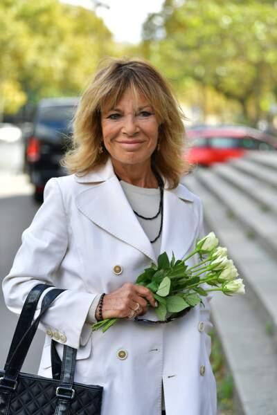 Nicole CalfanJux obsèques ducomédien Jean Piat en l''église Saint François-Xavier à Paris le 21