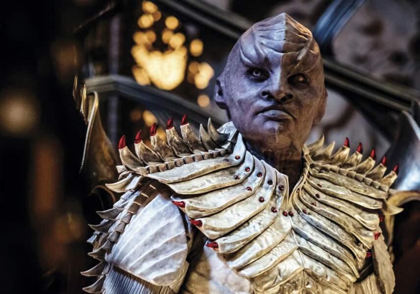 Mary Chieffo, grimée en Klingon dans la série Star Trek Discovery