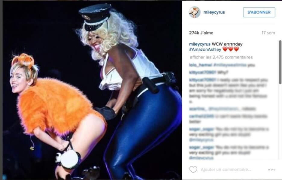 Miley Cyrus lors d'un concert