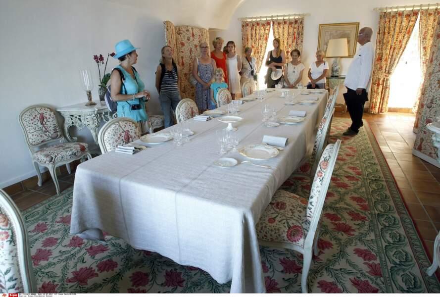 Salle à manger du fort de Brégançon, où Emmanuel et Brigitte Macron passent leurs vacances