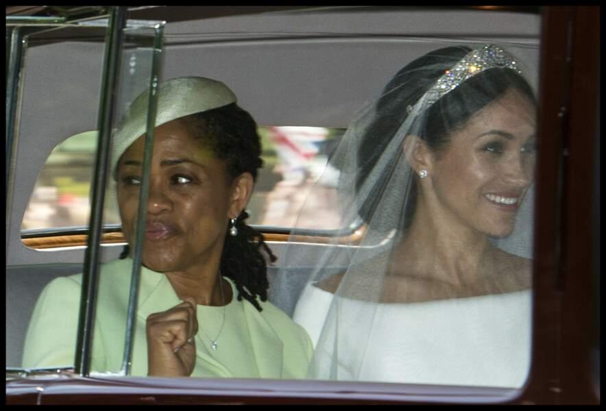 Doria Ragland avec sa fille Meghan Markle en route pour le mariage