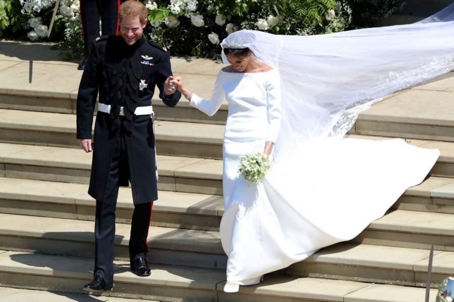 La robe a été réalisée à partir de 6 coutures, étoffée par un triple jupon en organza