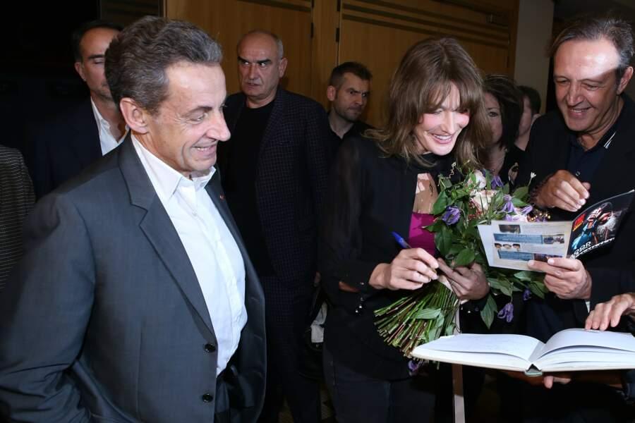 Carla Bruni-Sarkozy et Nicolas Sarkozy, après le concert de la chanteuse