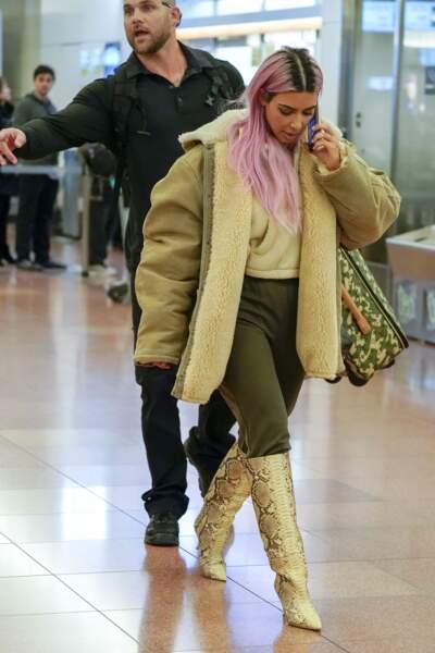 En décembre, Kim Kardashian a créé la nouvelle collection de Yeezy, avec son époux Kanye West