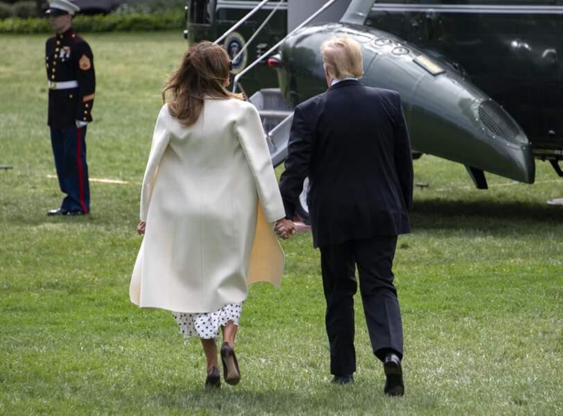 Melania Trump porte aussi une paire d'escarpins noirs comme elle les aime