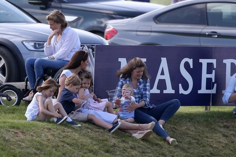 George et Charlotte, spectateurs d'un match de polo disputé par leur père, le 10 juin dernier.