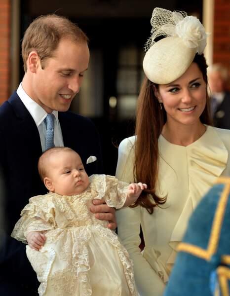 William et Kate lors du baptême de leur fils George, le 23 octobre 2013 à Londres