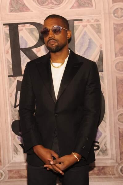 Kanye West stylé est venu sans sa femme Kim Kardashian