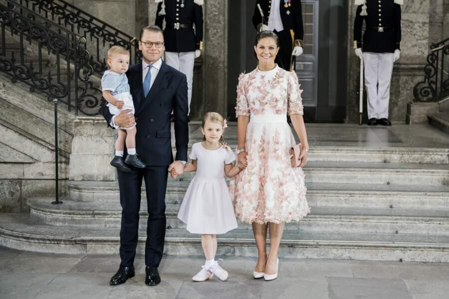 La princesse Victoria de Suède, son mari, le prince Daniel et de leurs enfants le 14 juillet 2017
