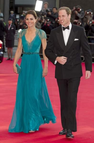 Kate et William, un couple glamour qui foule le tapis rouge lors d'un gala au Royal Albert Hall, le 11 mai 2012