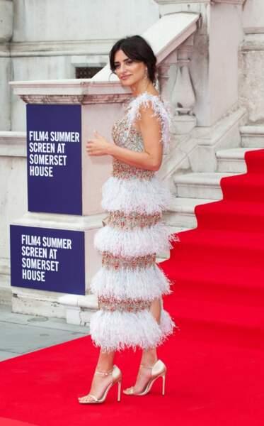 Penelope Cruz portait une création Ralf and Russo issue de la collection automne-hiver 2019