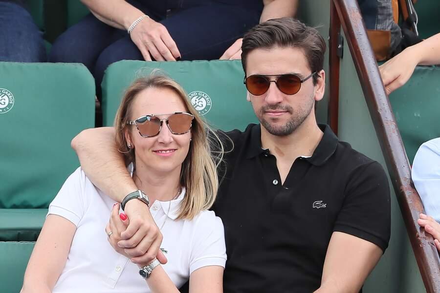 Audrey Lamy et son compagnon Thomas Sabatier dans les tribunes de Roland Garros le 31 mai 2018