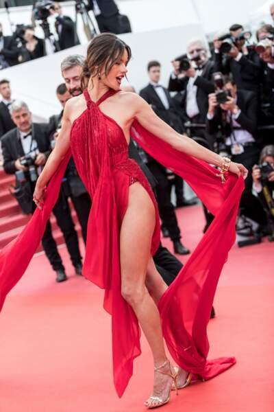 Alessandra Ambrosio dévoile son corps parfait