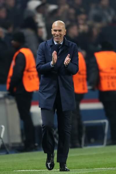Zinédine Zidane a la tête rasée depuis dix ans et cela lui va comme un gant