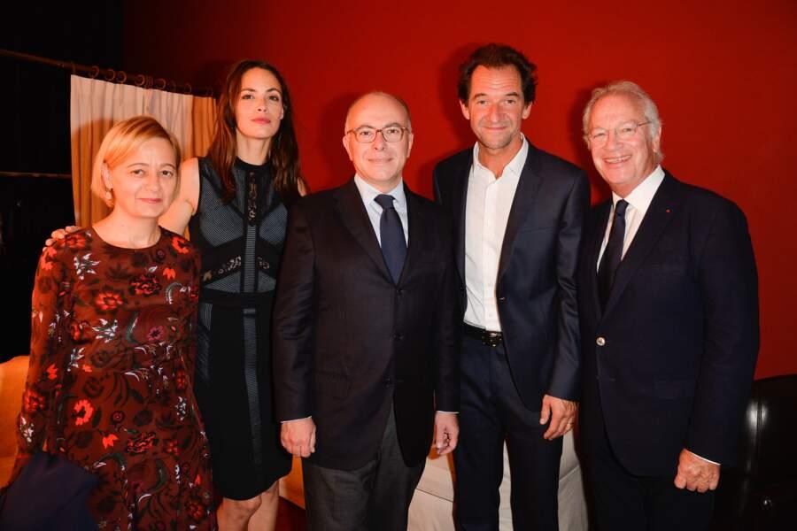 Bérénice Béjo, Bernard Cazeneuve et sa femme Véronique, Stéphane de Groodt et Bernard Murat au Théâtre Edouard VII