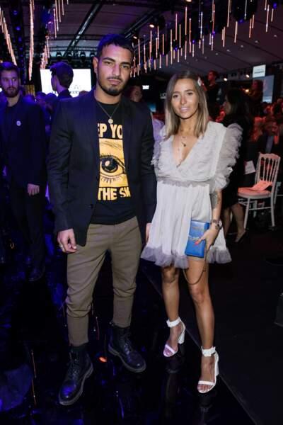 """Camille Callen (@noholita) et son compagnon Saam au défilé l'Oréal Professionnel """"La French - Art Of Hair Coloring"""