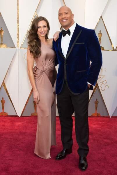Dwayne Johnson et sa femme Lauren Hashian très amoureux.