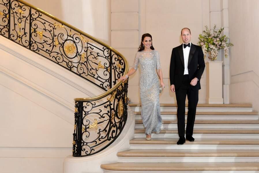 Kate et William, très élégants lors du dîner à l'ambassade de Grande-Bretagne à Paris, le 17 mars 2017