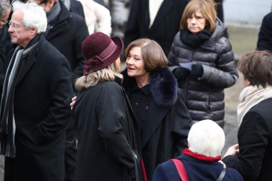 Macha Meril accueille ses proches aux obsèques de son mari Michel Legrand en la Cathedrale orthodoxe Saint-Alexandr
