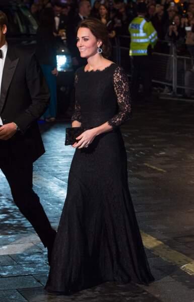Ce n'est là qu'un hasard, mais en 2014 Kate portait cette robe Diane von Furstenberg…