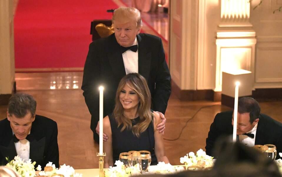 Donald Trump très tendre avec sa femme Melania, à la Maison Blanche, le 15 mai 2019.