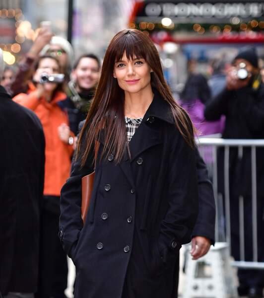 Katie Holmes avec sa petite frange courte dans les rues de New York