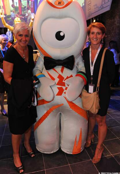Radmila Karabatic, maman du handballeur Nikola, avec Ségolène Moreau, responsable communication P&G France