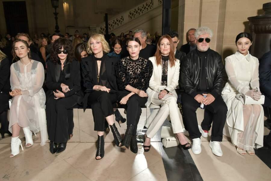 Isabelle Adjani était au premier rang du défilé Givenchy ce 1er octobre