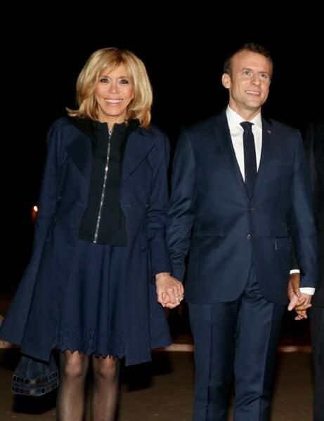 Le président de la République Emmanuel Macron et sa femme la Première Dame, à Dakar, Sénégal, le 1er février 2018.