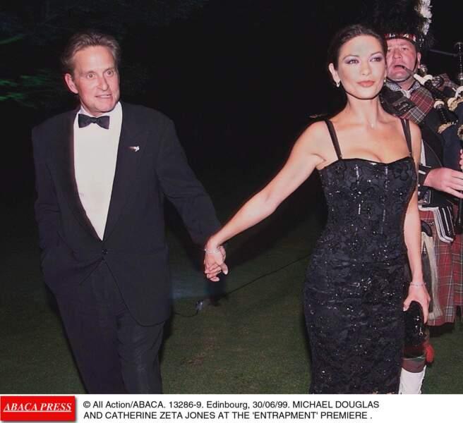"""Michael Douglas et Catherine Zeta-Jones à la première de """"Haute Voltige"""" (1999)"""