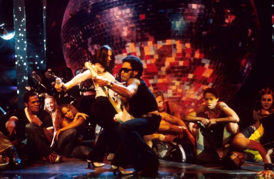 Madonna et Lenny Kravitz, sur la scène des MTV Video Music Awards en 1998