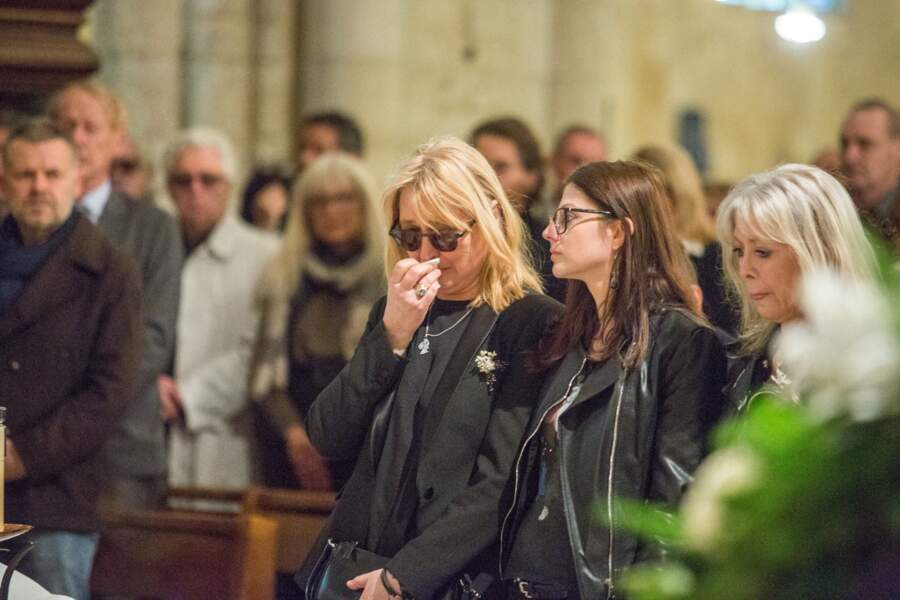 Natala Rivers émue aux obsèques de son père Dick Rivers