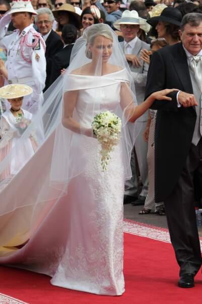 Charlène de Monaco en robe Armani lors de son mariage, le 2 juillet 2011 en la chapelle Sainte-Devote