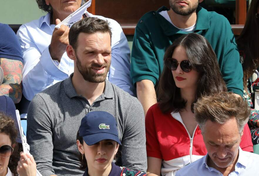 Alban Lenoir et sa compagne Anne Serra à Roland Garros le 30 mai 2018