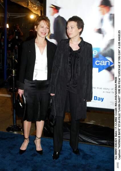 """Laura Smet et Nathalie Baye, à la première du film """"Catch Me If You Can"""" à Los Angeles, en 2002"""