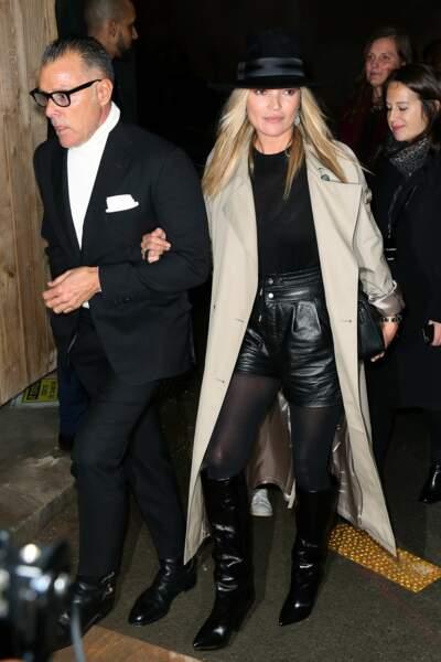 Kate Moss arrive au show Saint Laurent