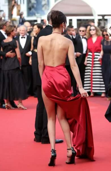 Bella Hadid sublime en robe rouge signée Alexandre Vauthier