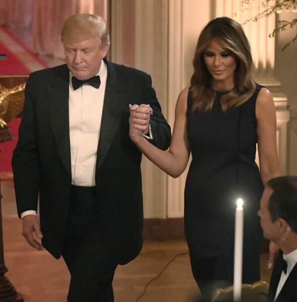 Donald Trump et sa femme Melania affichent leur tendresse, à la Maison Blanche, le 15 mai 2019.