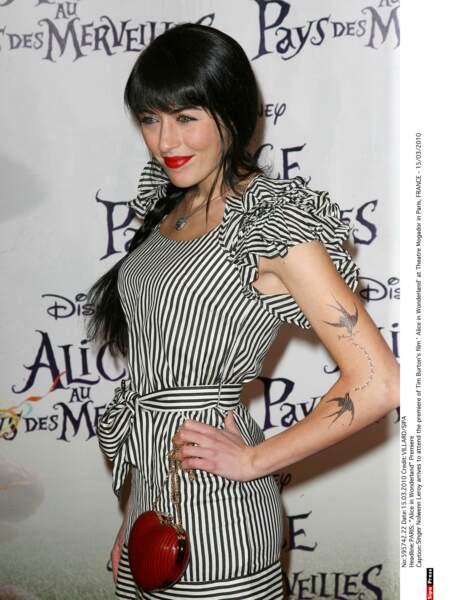 """2010: elle se remet de l'échec de son disque """"Le Cheshire Cat et moi"""", dit trop folk, mais à son goût"""