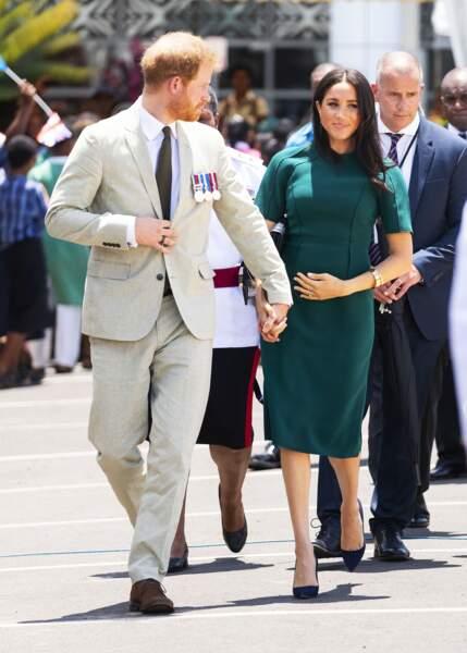 Meghan Markle et le Prince Harry assistent à une cérémonie traditionnelle fidjienne à Nadi, le 25 octobre 2018