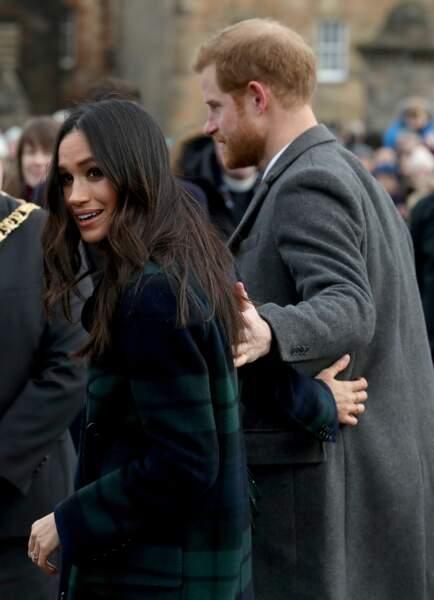 Le prince Harry et Meghan Markle toujours très tactiles.