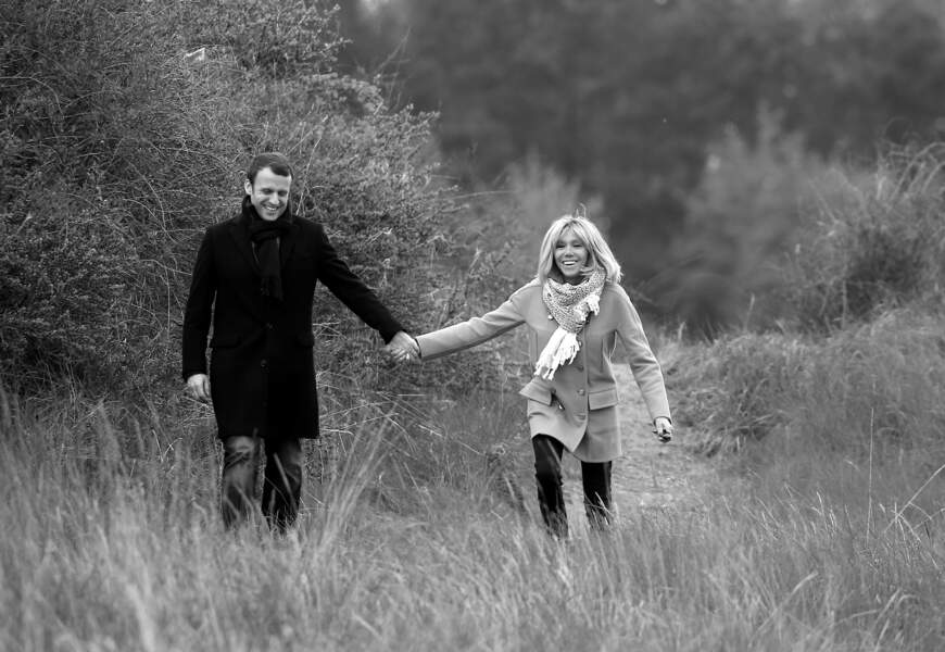 Emmanuel et Brigitte Macron, le 22 avril 2017.