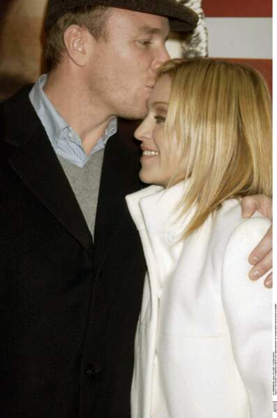 """Guy Ritchie et Madonna à la première du film """"Mean Machine"""" à Londres en 2001"""