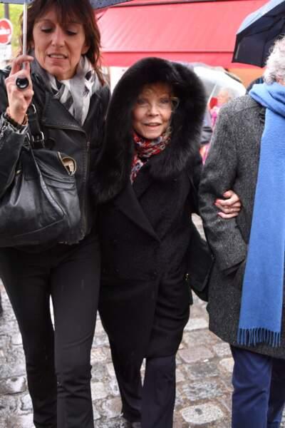 Isabelle Aubret aux obsèques de Dick Rivers