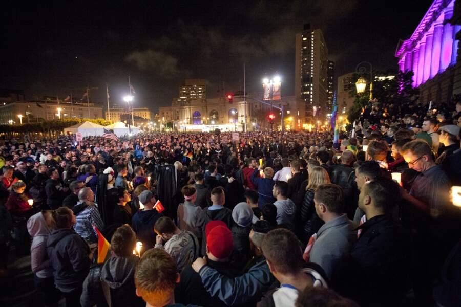 Veillée en mémoire des victimes, à San Francisco