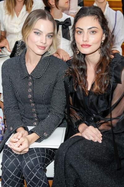 Margot Robbie et Phoebe Tonkin