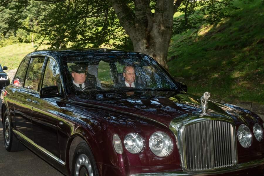 La reine Elizabeth, le prince William et Kate Middleton ont fait voiture commune