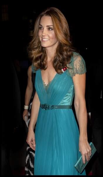 Kate Middleton recycle sa robe Jenny Packham, elle est superbe