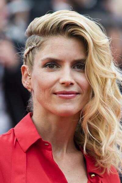 Alice Taglioni (41 ans) portait un magnifique side-hair tressé lors du dernier Festival de Cannes.